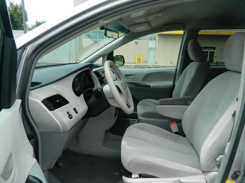 Toyota Sienna 2012 price $11,985