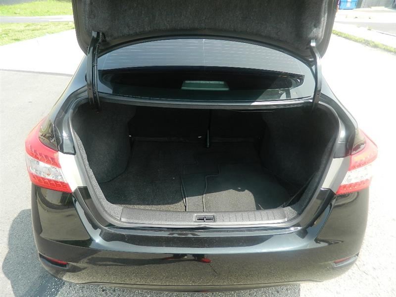 Nissan Sentra 2015 price $9,945