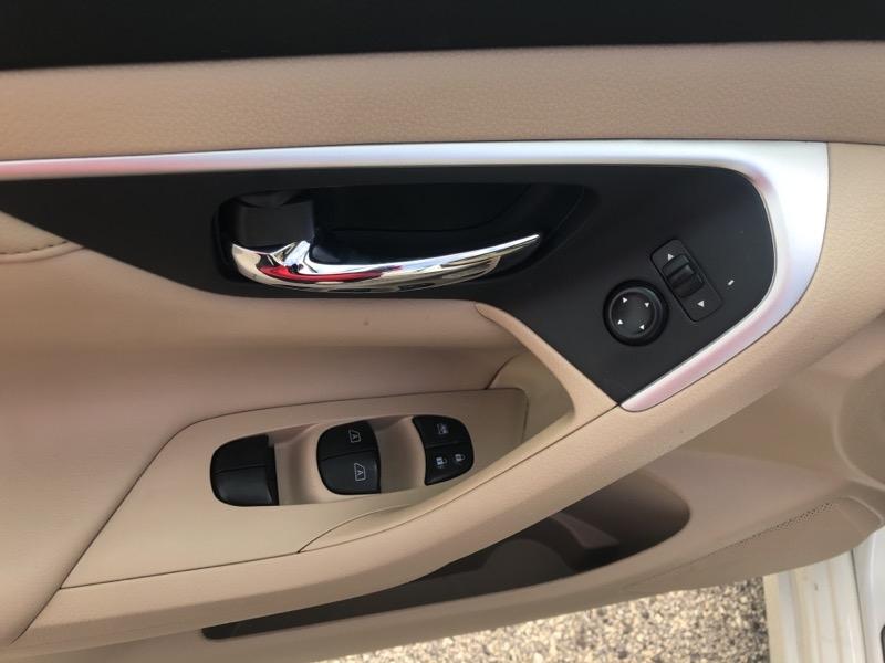 Nissan Altima 2016 price $16,915