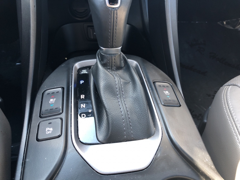 Hyundai Santa Fe 2015 price $15,980