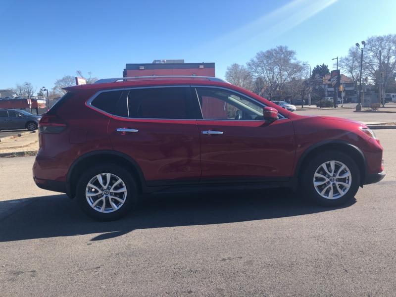 Nissan Rogue 2017 price $15,980