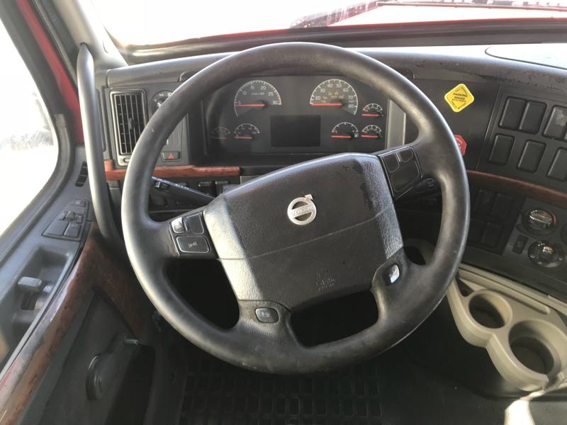 Volvo VNL780 2006 price $17,995