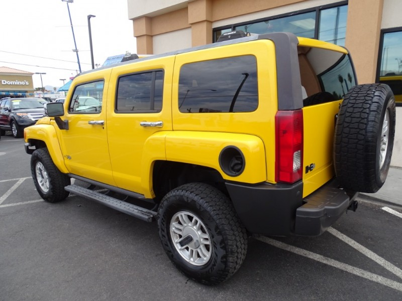 Hummer H3 2006 price $10,995