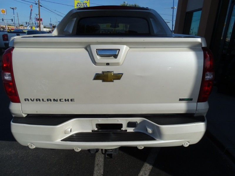 Chevrolet Avalanche 2011 price $15,995