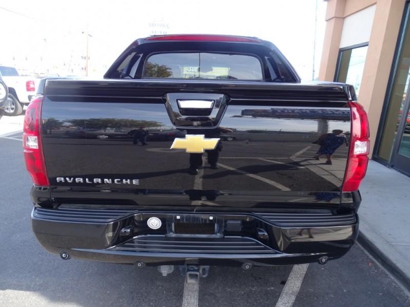Chevrolet Avalanche 2013 price $18,995