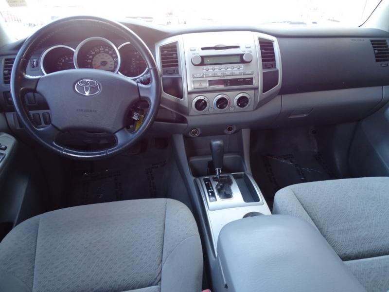Toyota Tacoma 2005 price $11,995