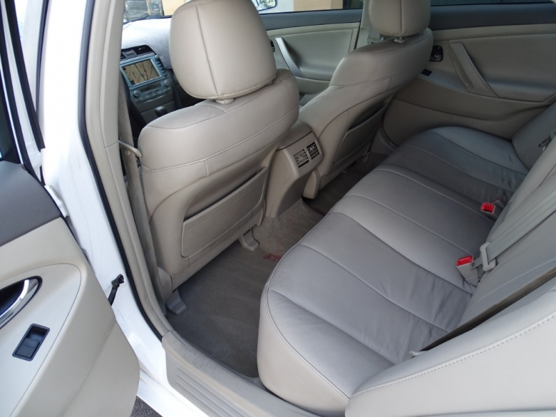 Toyota Camry Hybrid 2009 price $9,995