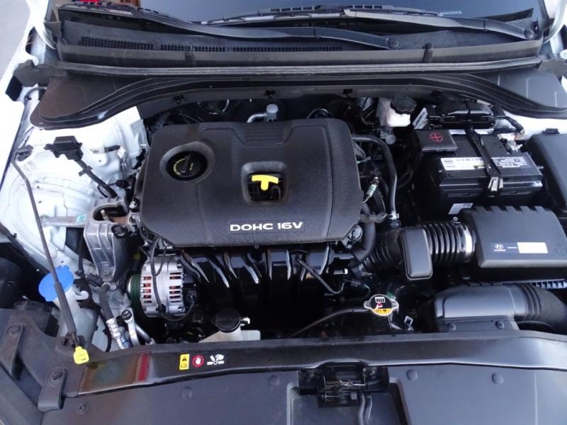 Hyundai Elantra 2017 price $10,895