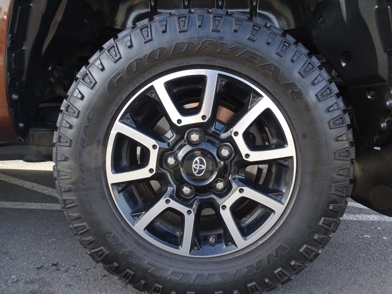 Toyota Tundra 4WD Truck 2015 price $25,995