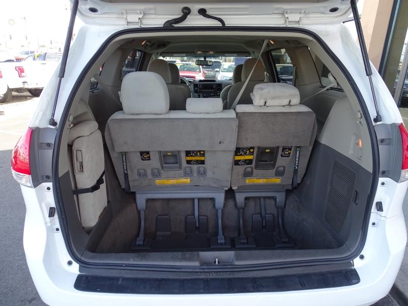 Toyota Sienna 2012 price $14,995