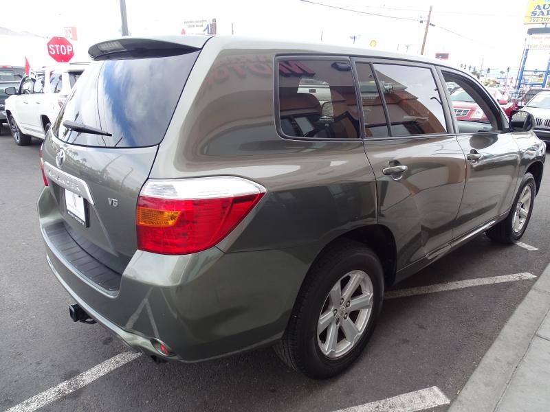 Toyota Highlander 2008 price $11,995