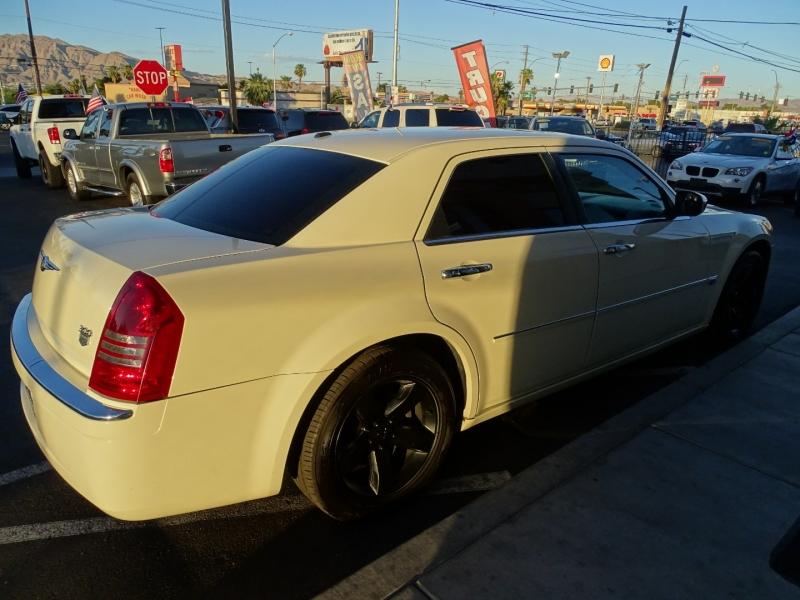 Chrysler 300 2006 price $8,995