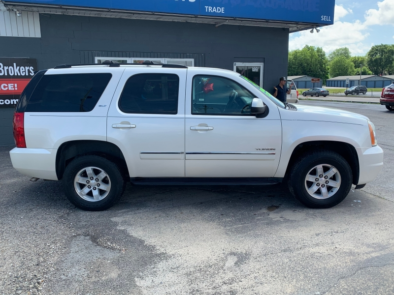 GMC YUKON 2012 price $10,995