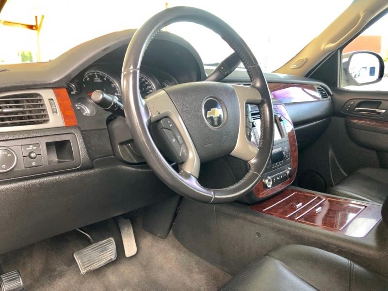 Chevrolet Avalanche 2010 price $14,995