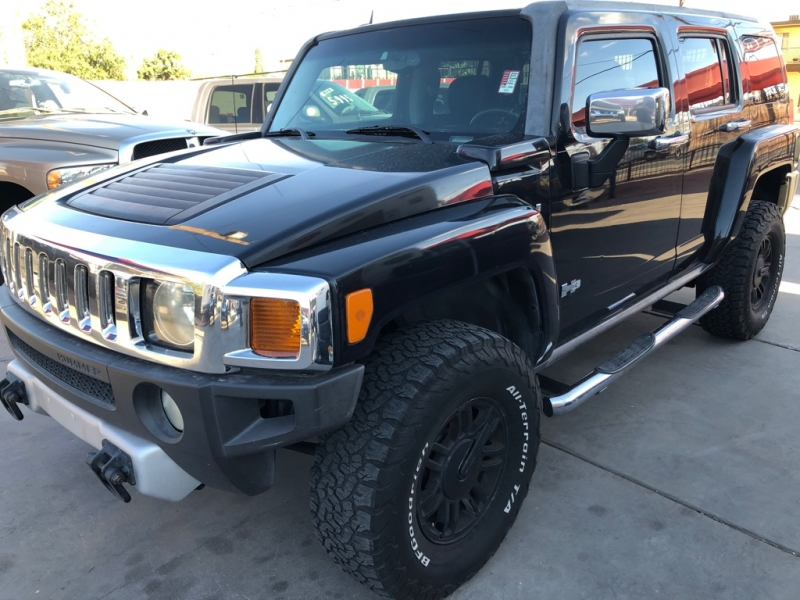 Hummer H3 2009 price $9,995