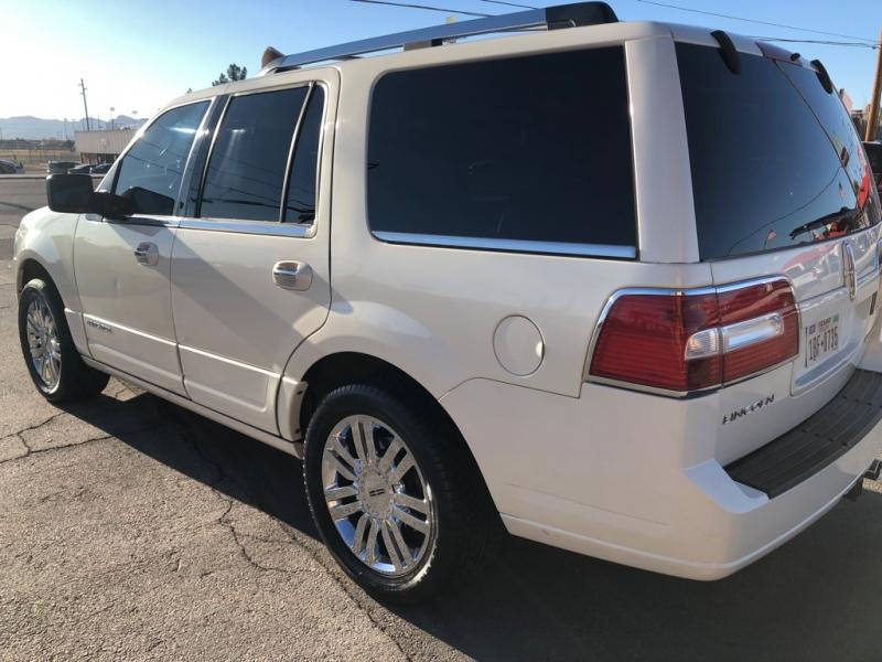 Lincoln Navigator L 4X4 2007 price $8,995