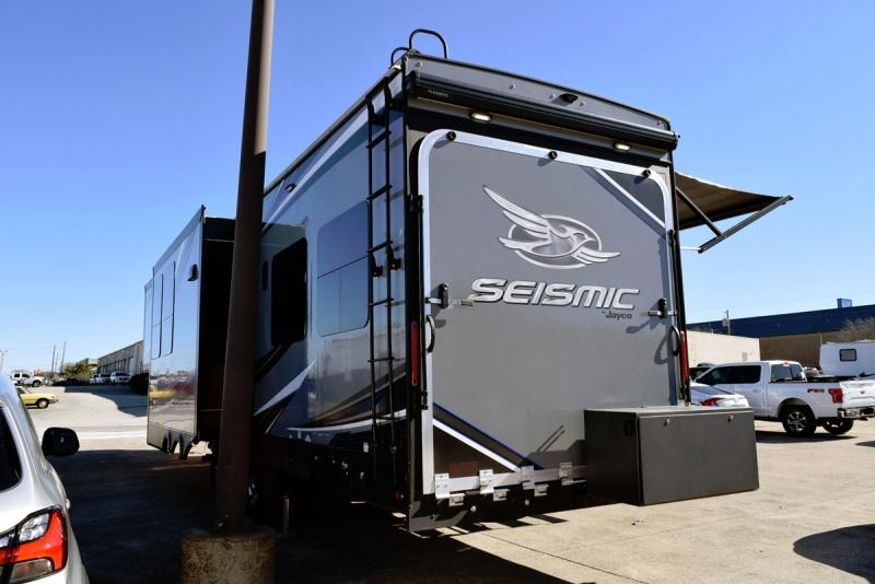 Jayco Seismic 4250 2018 price $59,900