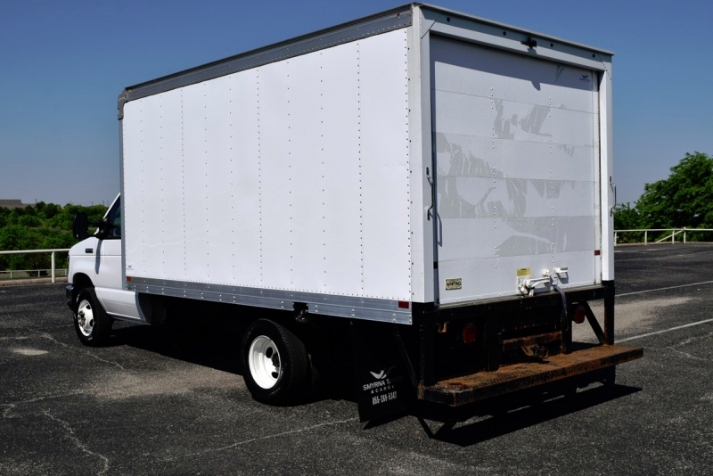 Ford Econoline Cargo Van 2016 price $18,899
