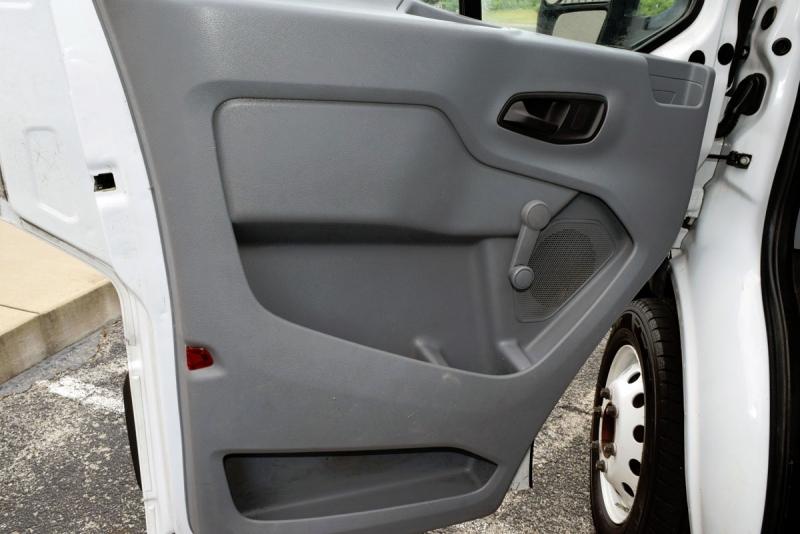 Ford Transit Box Truck 2015 price $18,900