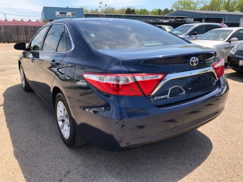 Toyota Camry 2016 price $12,895