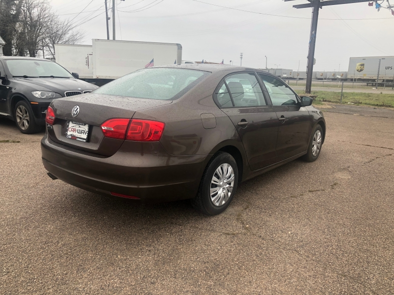 Volkswagen Jetta Sedan 2011 price $4,900