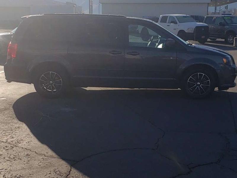 Dodge Grand Caravan 2016 price $14,995
