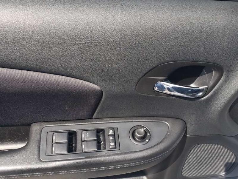 Chrysler 200 2014 price $10,995