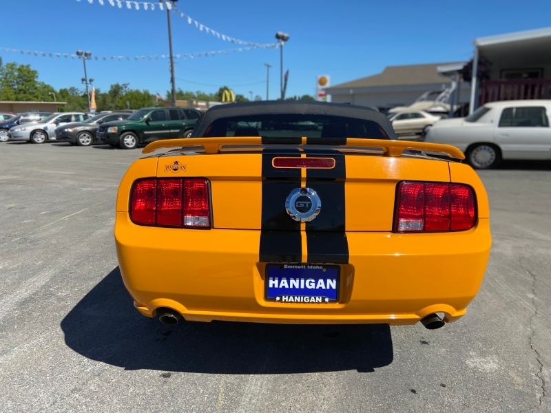 Ford Mustang 2007 price $15,995