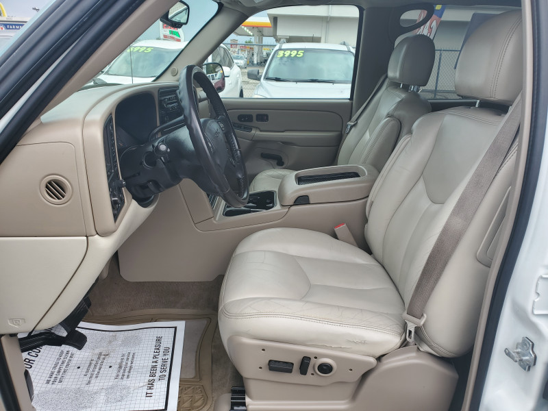 GMC Yukon XL 2005 price $8,995
