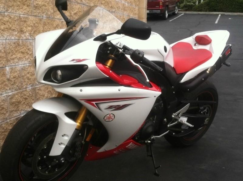 Yamaha R1 2009 price $8,999