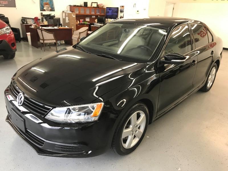 Volkswagen Jetta Sedan 2011 price $7,500