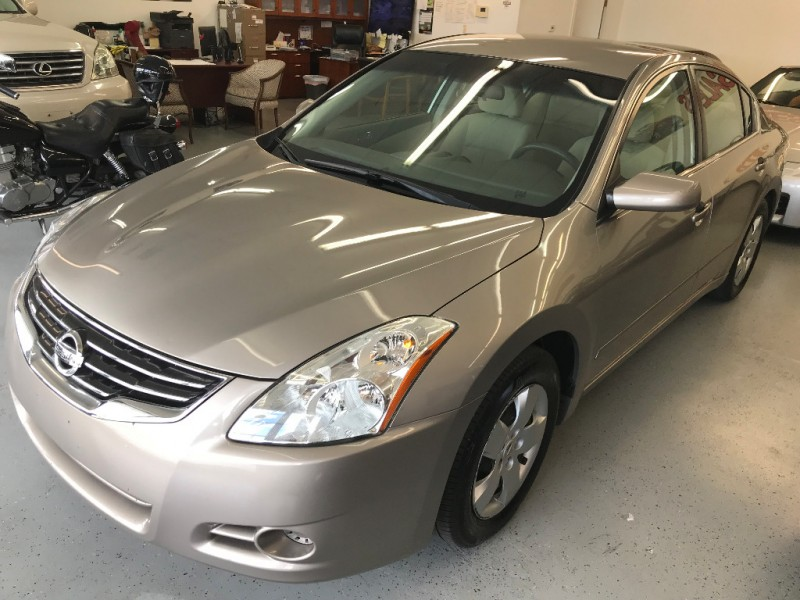 Nissan Altima 2011 price $4,650