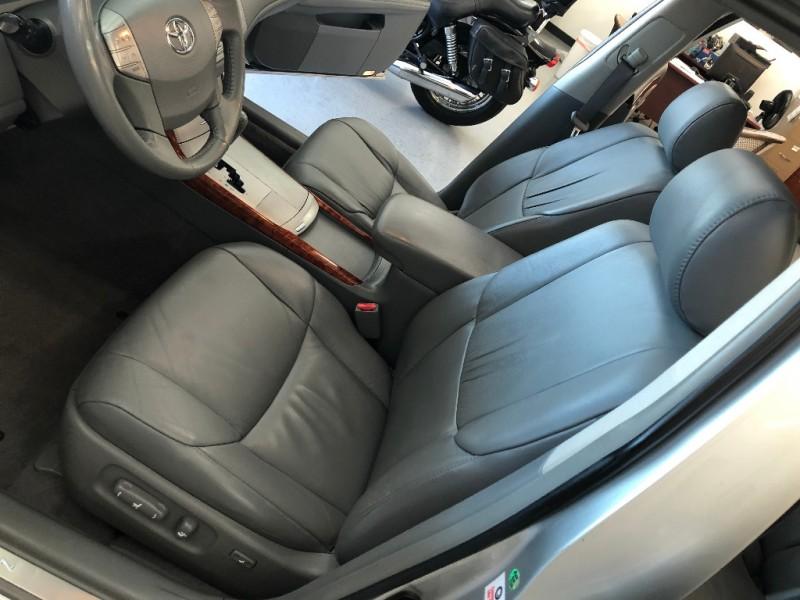 Toyota Avalon 2005 price $6,998