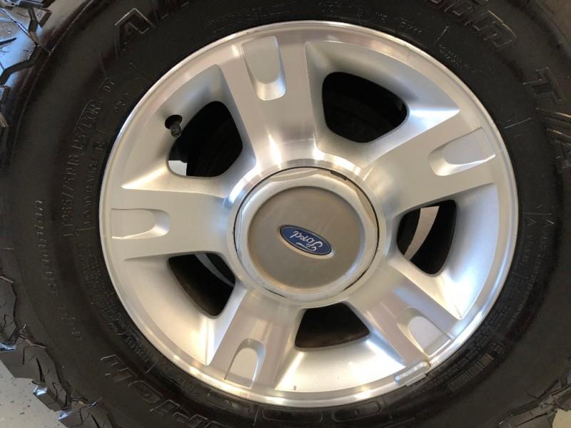 Ford Explorer Sport Trac 2001 price $5,800