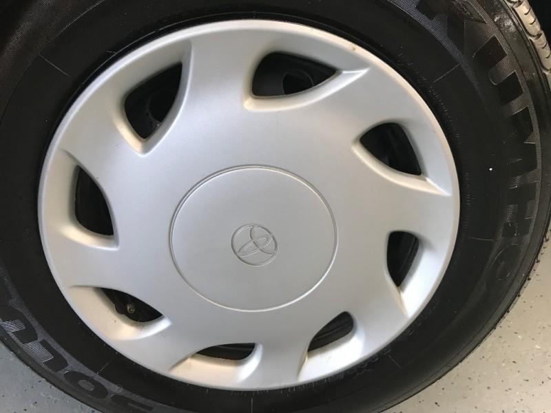 Toyota Sienna 2000 price $5,500