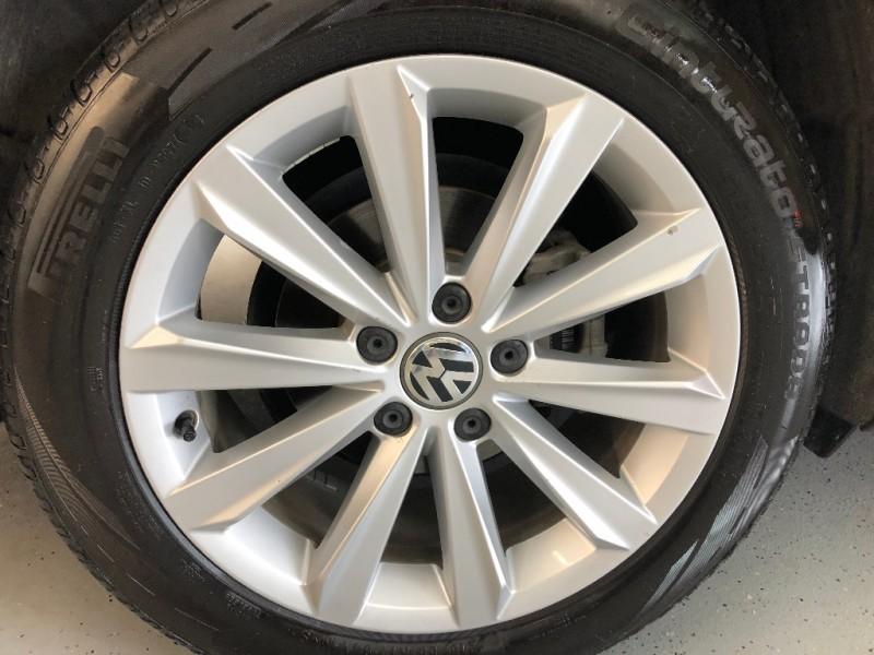 Volkswagen Passat 2012 price $7,500