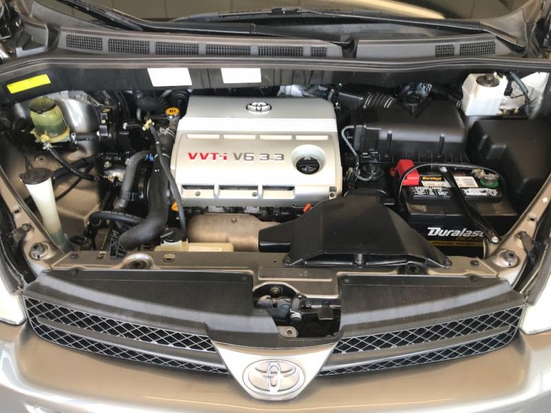 Toyota Sienna 2004 price $5,500