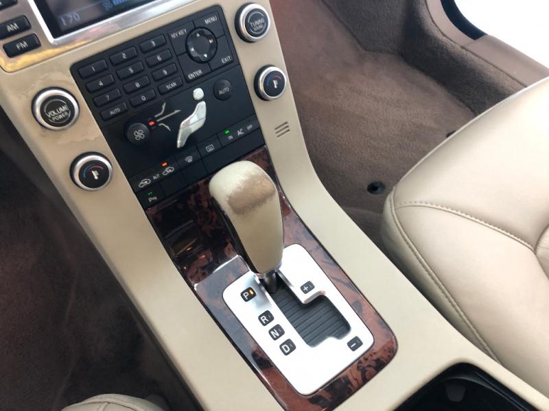 Volvo V70 2008 price $7,500