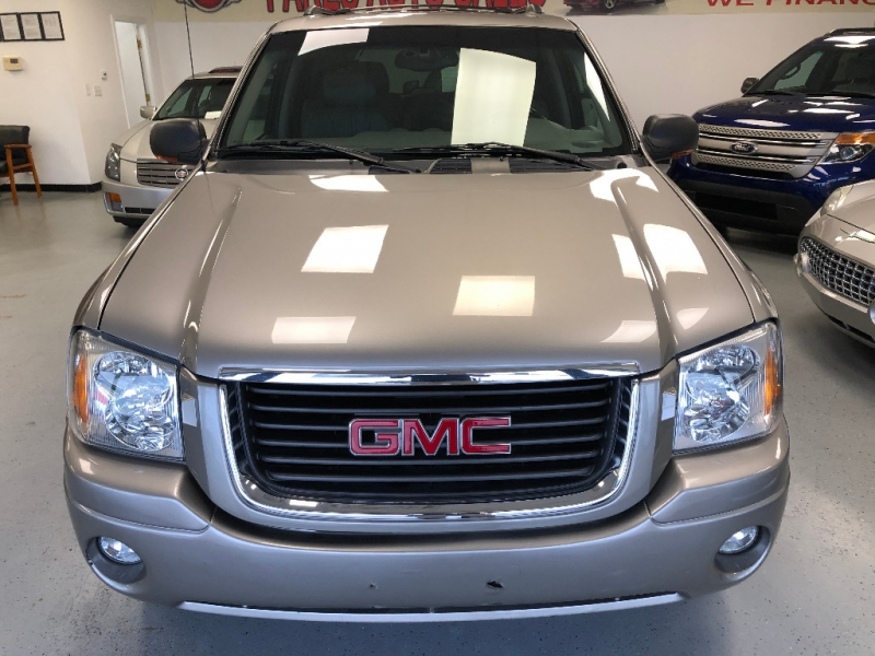 GMC Envoy 2003 price $4,998