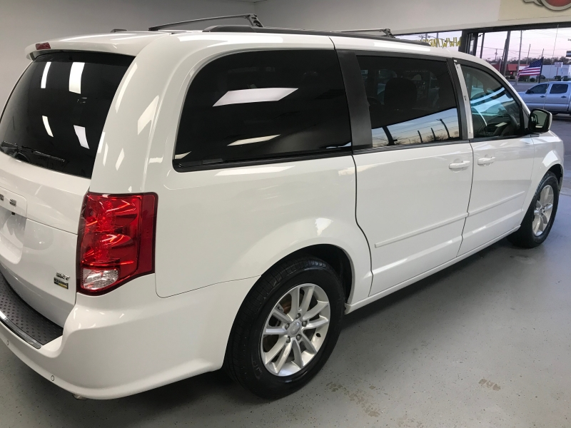 Dodge Grand Caravan 2015 price $9,500