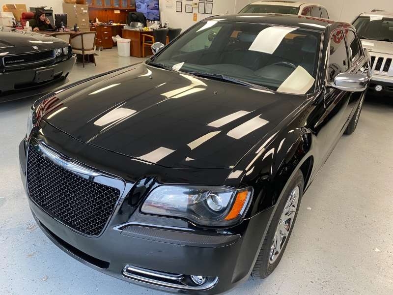 Chrysler 300 2012 price $8,998