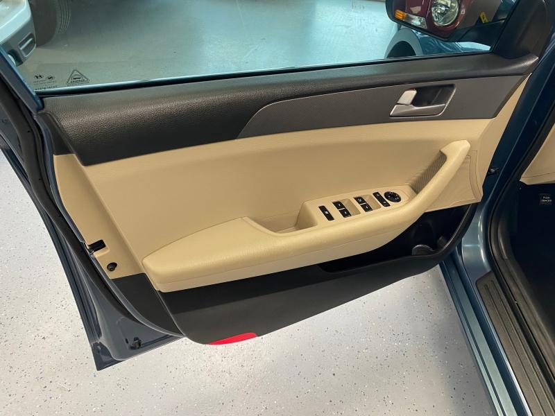Hyundai Sonata 2015 price $9,998