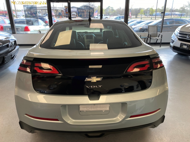 Chevrolet Volt 2011 price $9,498