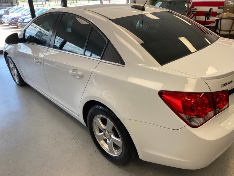 Chevrolet Cruze 2015 price $8,998