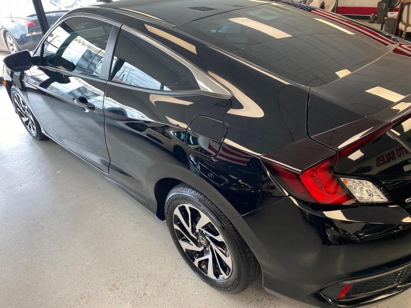 Honda Civic Coupe 2018 price $15,498