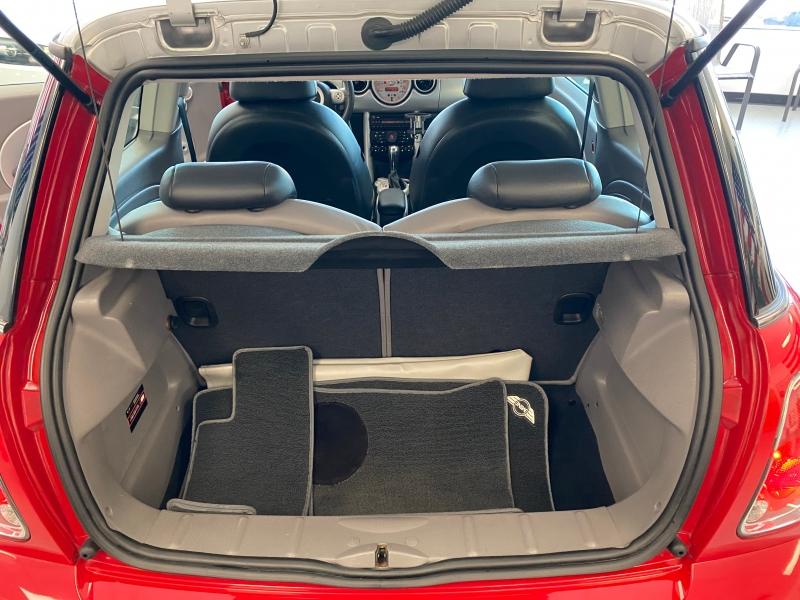 Mini Cooper Hardtop 2006 price $6,699