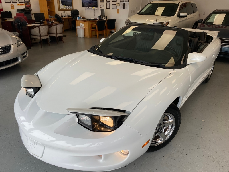 Pontiac Firebird 2000 price $6,498
