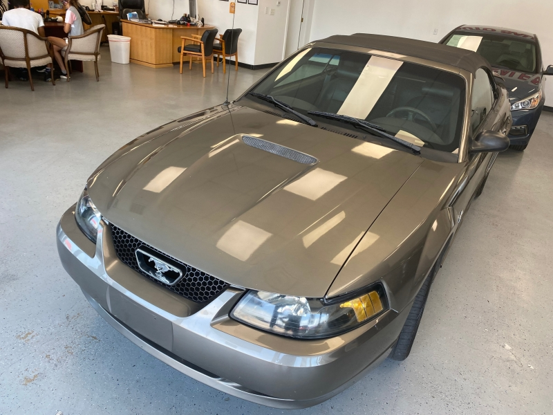 Ford Mustang 2002 price $3,998