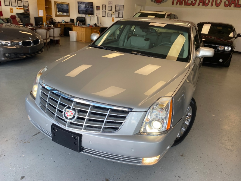 Cadillac DTS 2008 price $9,998