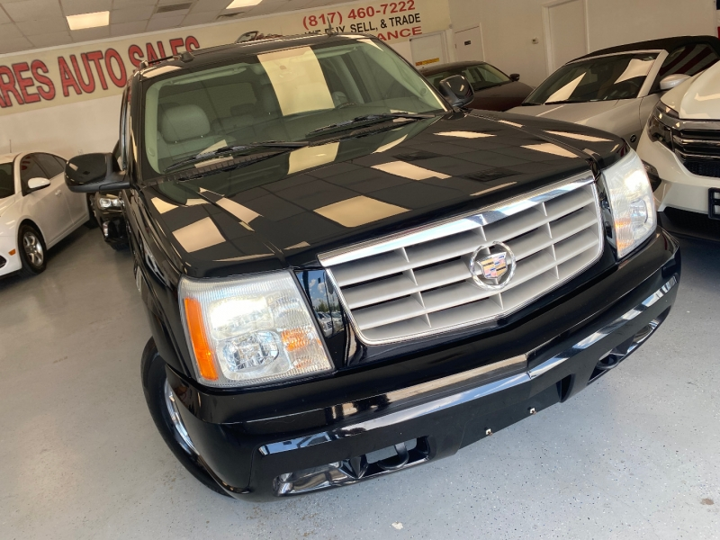 Cadillac Escalade 2005 price $10,498
